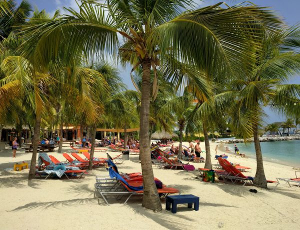 Blue Bay: one of the most beautiful beaches of Curaçao